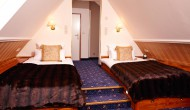 Doppelzimmer-mit-getrennten-Betten-7