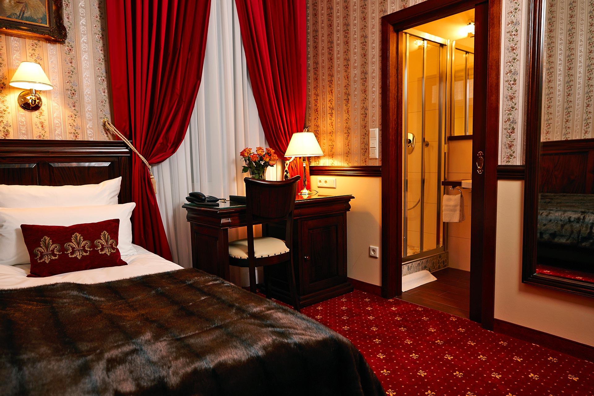 Classical Single Room