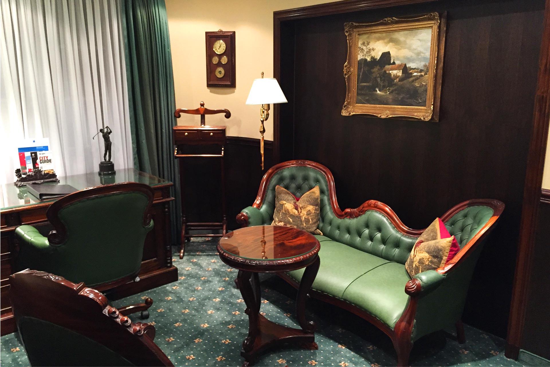 Achenbach Suite