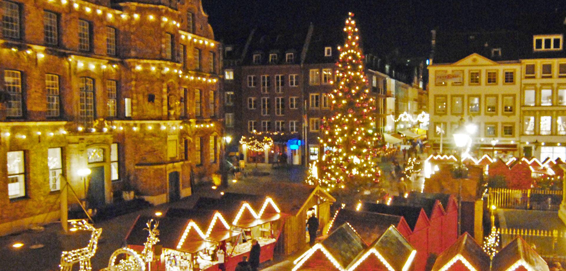 Weihnachtsmarkt Morgen.Der Düsseldorfer Weihnachtsmarkt Wird Morgen Eröffnet Villa Achenbach